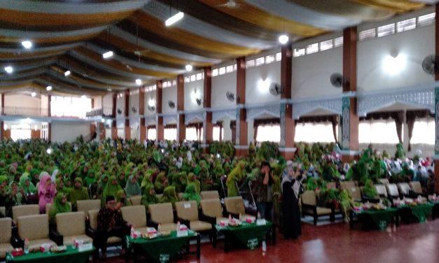 Ribuan Jamaah Padati Gedung IAIC Tasik, Hadiri Harlah Muslimat NU ke-73 dan Peringatan Maulid Nabi Muhammad