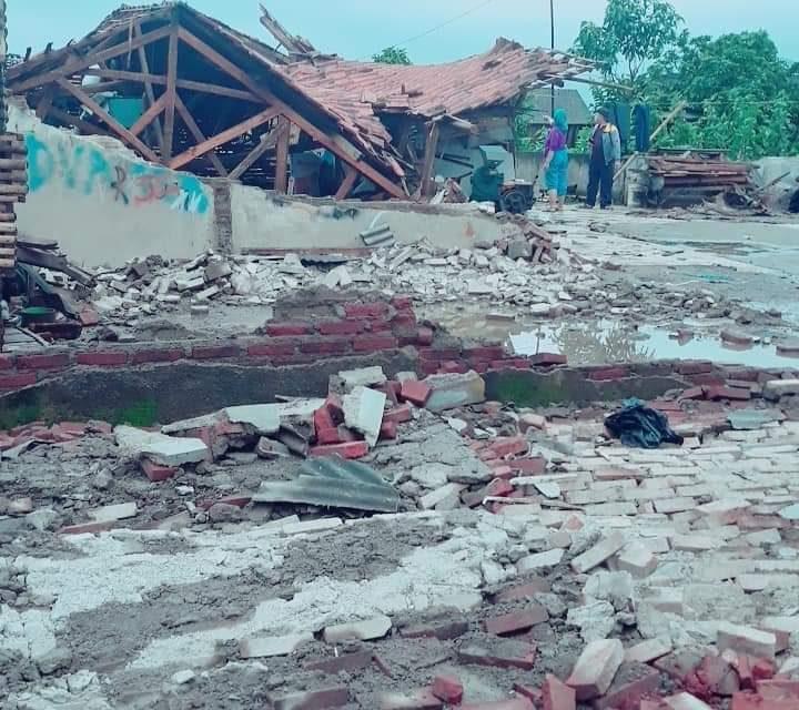 Innalillahi! Puluhan Rumah di Rancaekek Rusak Diamuk Puting Beliung