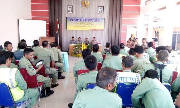 Danramil 07/Maos Berikan Materi Wasbang kepada 50 Anggota Linmas