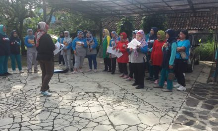 Cara Relasi KPU Sumedang Sosialisasikan Pemilu di Kalangan Ibu-ibu