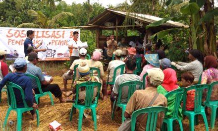 Petani Penggarap Kawasan Hutan Diajari KPU Pangandaran Cara Mencoblos