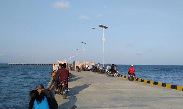Belum Beroperasi, Pelabuhan Pangandaran Jadi Tempat Favorit Ngabuburit