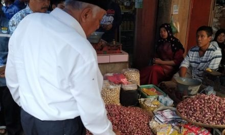 Konsumen Sedikit Selama Ramadan, Harga Sayuran di Pangandaran Cenderung Turun