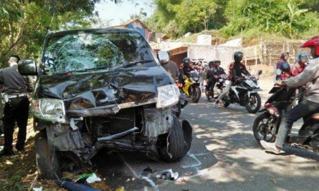 Mobil APV Hajar Motor di Sumedang, Satu Tewas