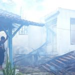 Rumput Ilalang Kering Terbakar, Rumah Kosong di Tomo Sumedang Ikut Ludes