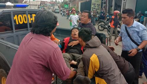 Warga Sumedang Jadi Korban Tiang Listrik Tumbang di Garut, Timpa 2 Pelajar Juga