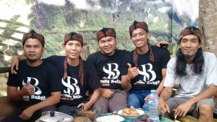 Kelompok musik Saung Buhun asal Tasikmalaya Ciptakan Lagu Gelisah