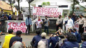 Mahasiswa Sumedang Tolak Omnibus Law