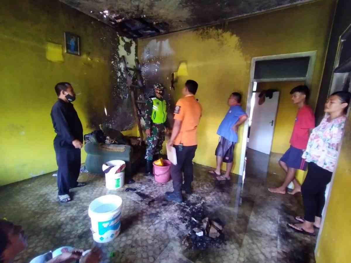 Rumah terbakar di Mangkubumi