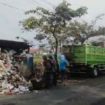 DLHK Kota Tasik Angkut Sampah