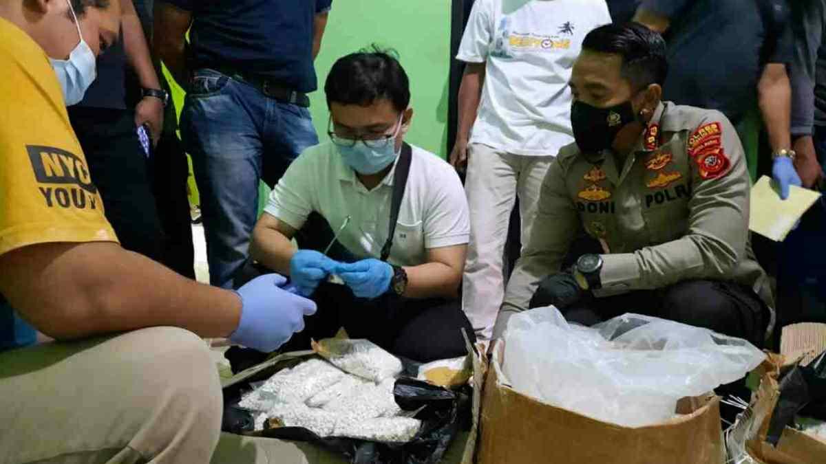 Satresnarkoba Tasikmalaya amankan obat ilegal pil YY