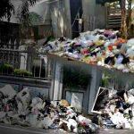 Tumpukkan Sampah Jadi Pemandangan Tasik Kota Resik